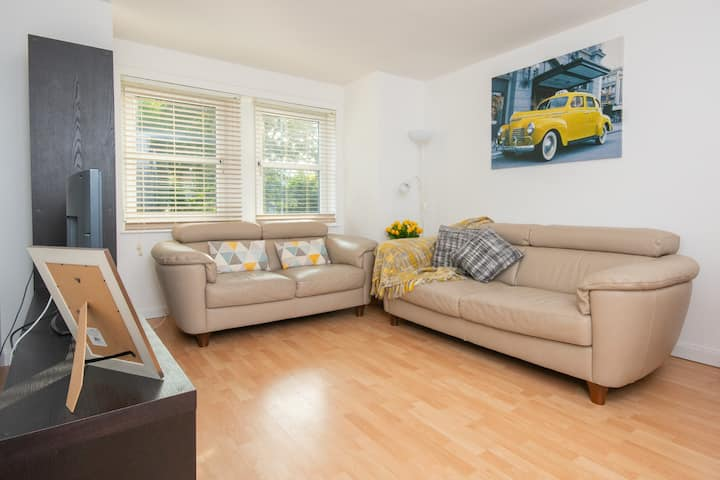 Dwellcome Home Aberdeen - King Street, City 3 Beds