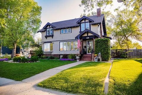 ラストハウスの宿、アート&工芸スタイルの家を更新しました