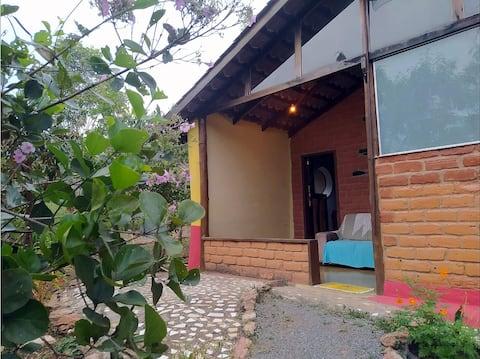 Sítio Amarelo/Chapada dos Veadeiros/Casa Terra Mãe