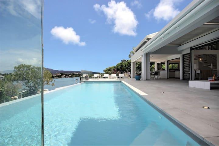 Villa d'exception - luxe, piscine, vue mer, plage