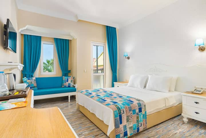 KARBEL SUN HOTEL SUPERIOR DOUBLE TWIN