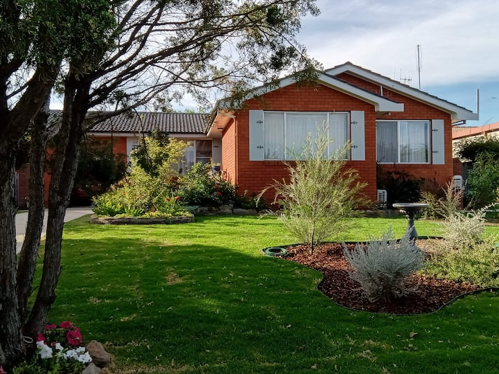 Bathurst home, two singles in a single bedroom