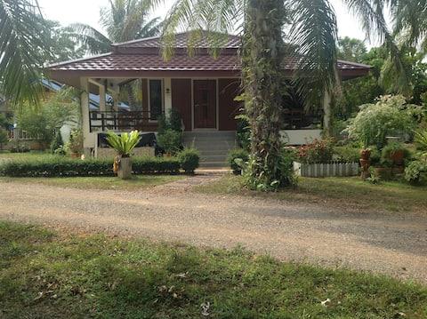 Namog House D, Thung Whua Laen beach, Saphli