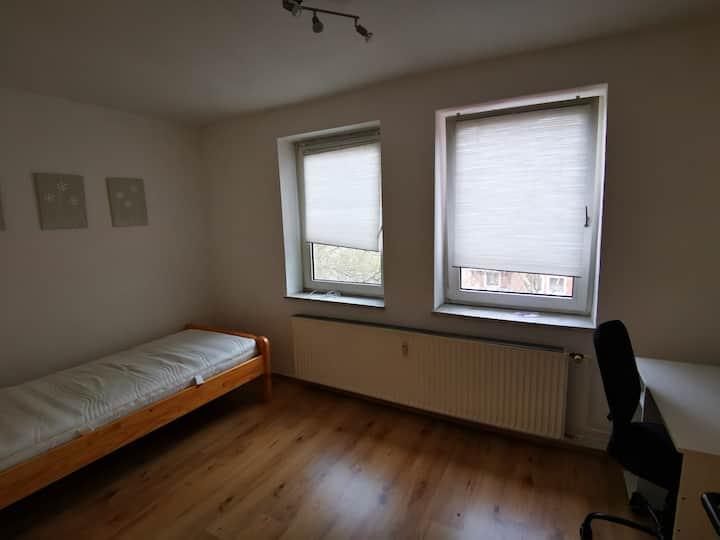 Ruhiges WG-Zimmer in Uninähe