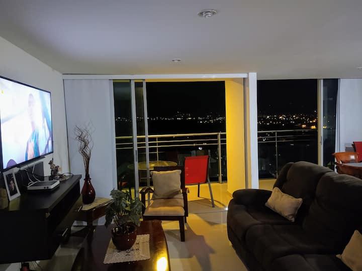 Apartamento moderno, amplio, full wi-fi, San Juan