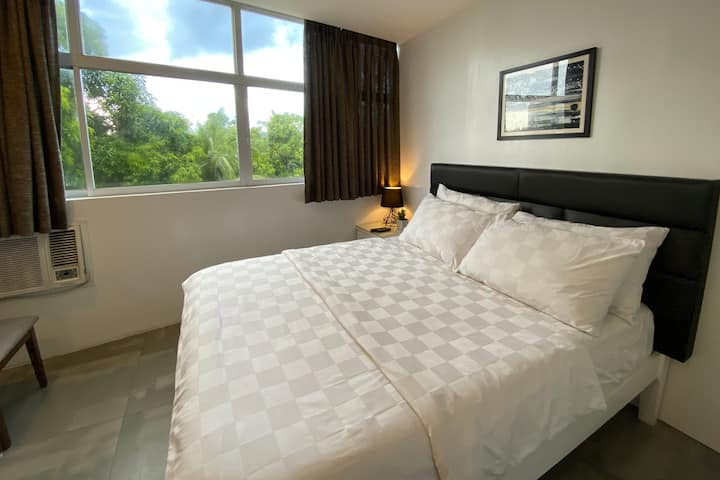 Double Room with FREE breakfast (good for 2)