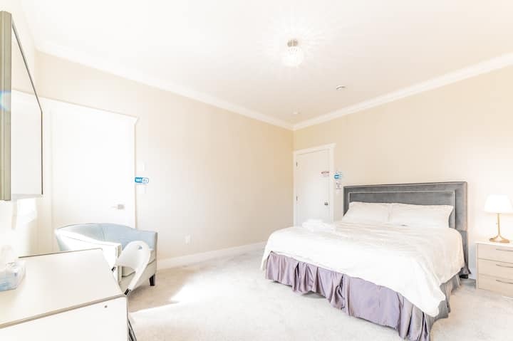 Brand new sunny cozy with private bathroom bedroom