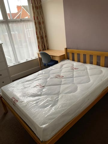 Double Room  PERFECT FOR PLABS!!