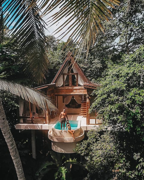 PELANGI Skai Joglo - Treehouse with ricefield view