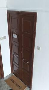 Porta d'ingresso  Entrance door