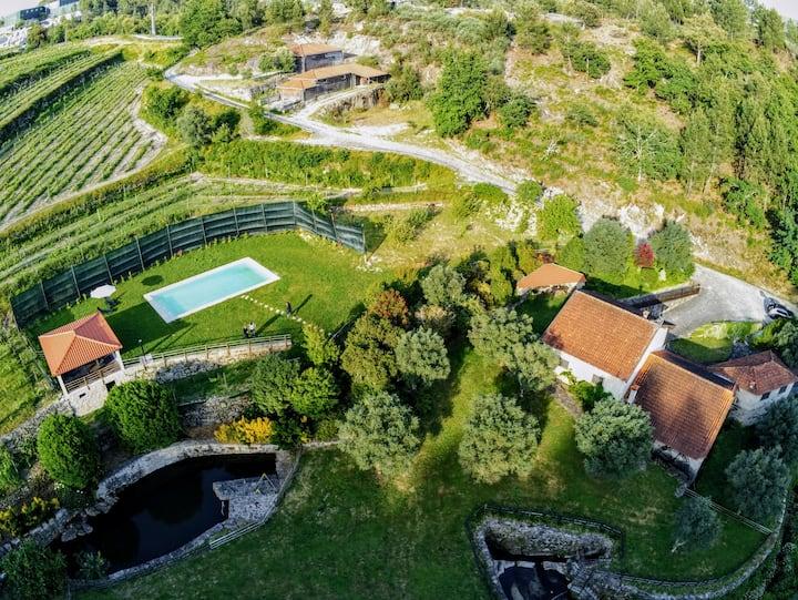 Casa da Azenha (6-8 Pax) c/ Piscina Privada