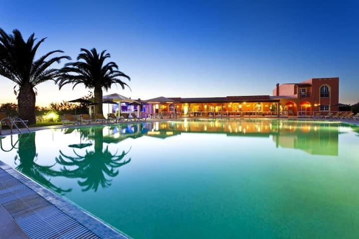 Colina Village Apartments (3 Bedroom Apartments)