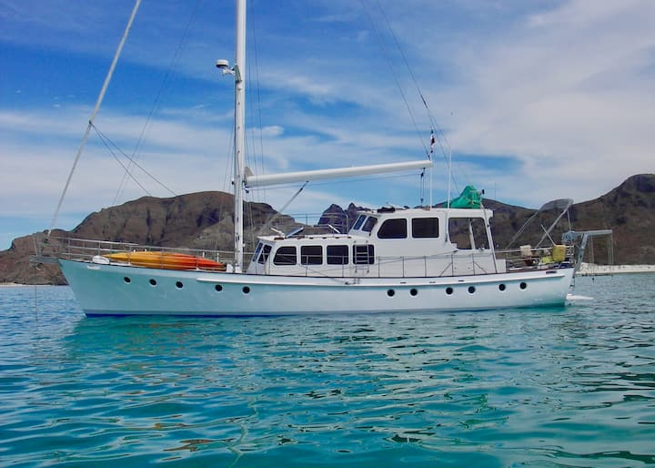 La Paz Multi-Day Island Tours