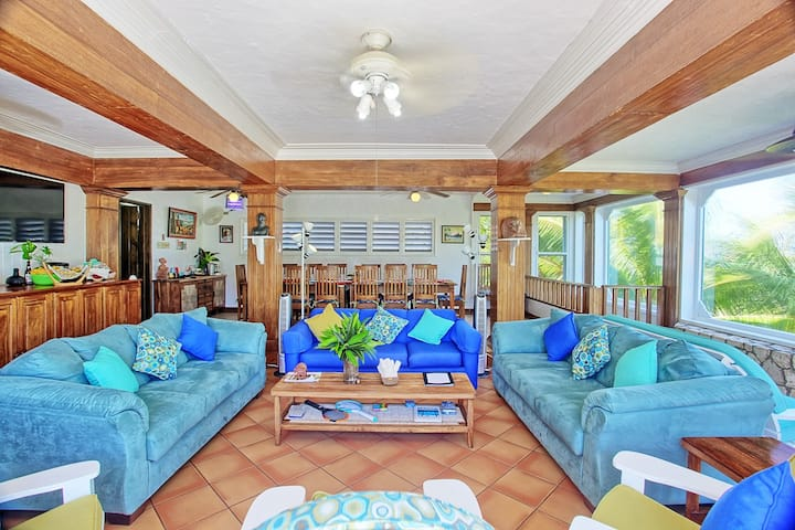 Seafront Villa, Pool, Hot Tub, Rent 3-7 bedrooms
