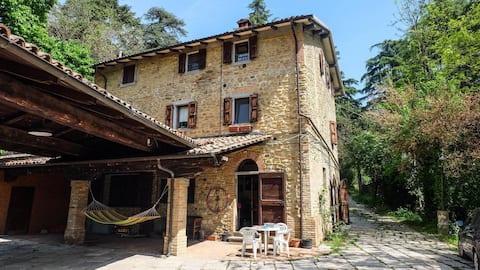 Acogedora casa rústica en las montañas de Bolonia