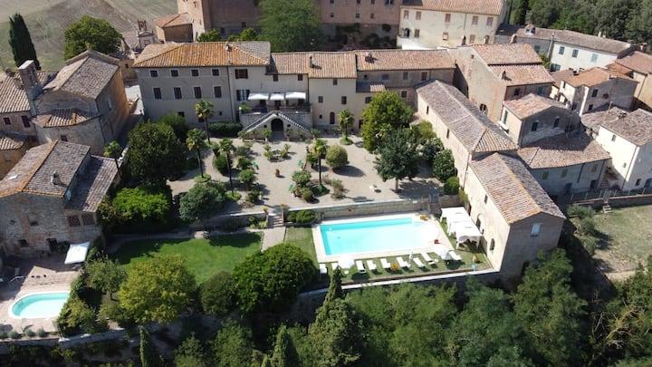 Pasqui Villas :La Consuma 8BDR private villa,pool