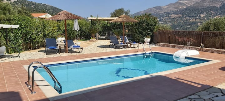 Spacious, luxuirious, quiet! Villa w.Private Pool