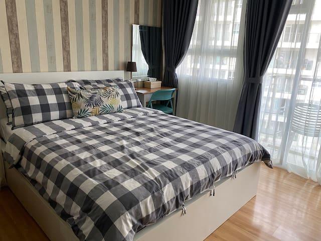 Cozy Luxury Apartment at Gateway Pasteur