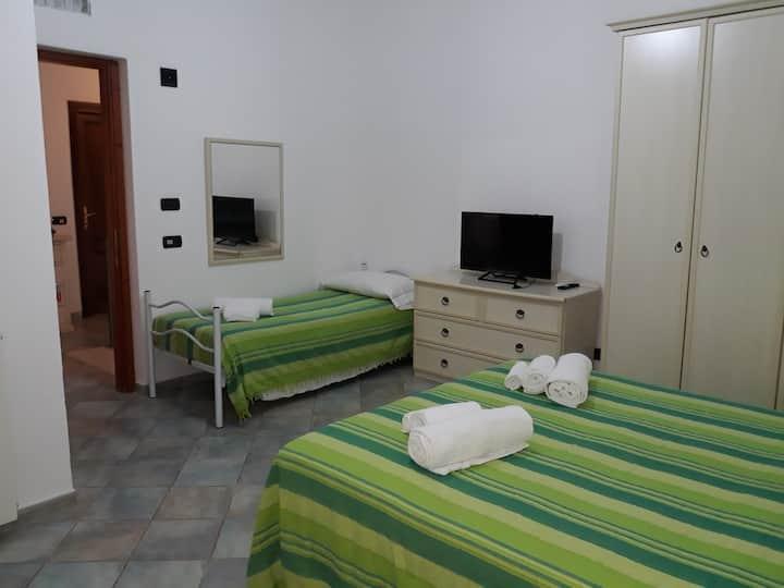San Teodoro Camera Suite 1 (max 3 posti)