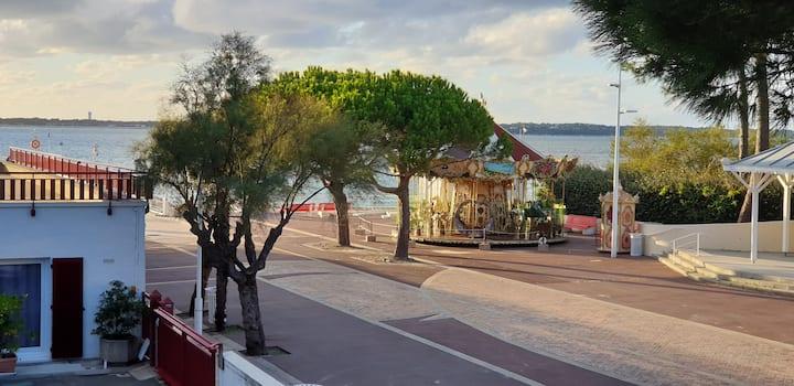 T2 rénové vue sur mer, en plein coeur du Moulleau.