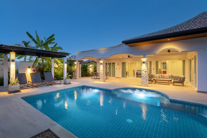 Beautiful villa with big privat pool & garden 404