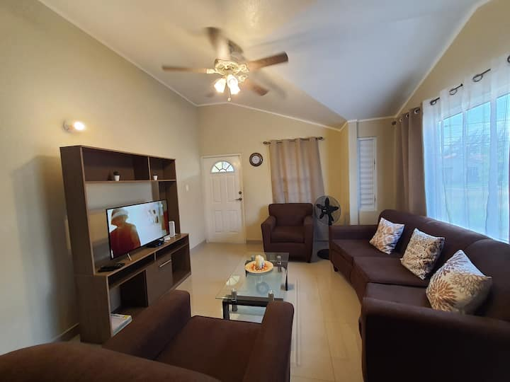 Sunshine Country Club 1BR (Gated Community)