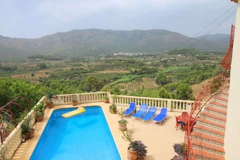 Alcalali hillside apartment, Views of Jalon Valley