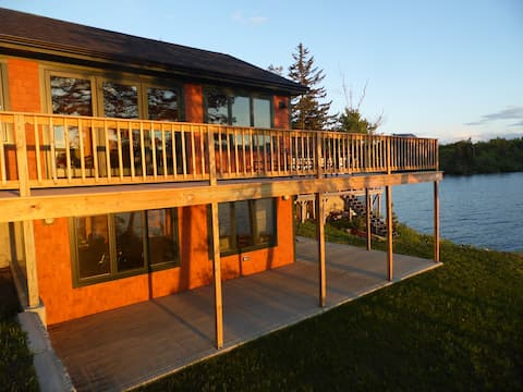 Gardner Lake home with access and view