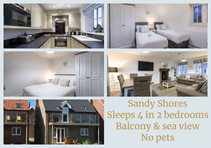 Sandy Shores, The Bay Filey - pool, gym, sea view