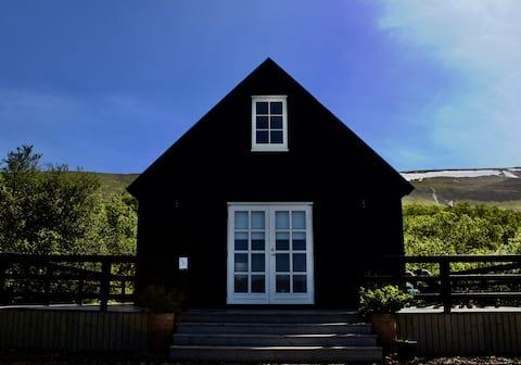 Flora cottages, unique, warm, romantic