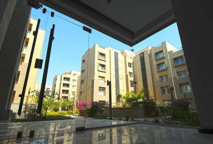 fully furnished apt in The Village,NEW CAIRO, AUC