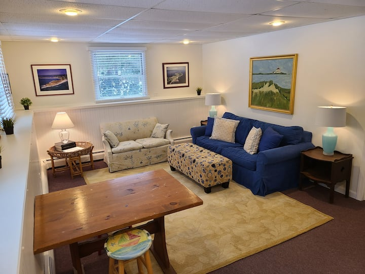 Private, Spacious, Minutes from Beach, Comfortable