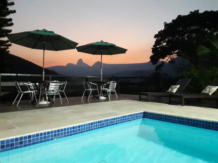 Casa do Léo, ambiente familiar em itaipava