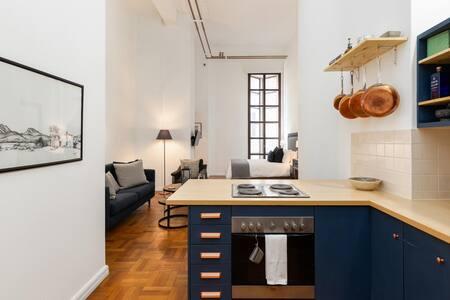 Designer Art Deco Apartment