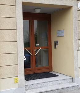 Eingang von der Straße