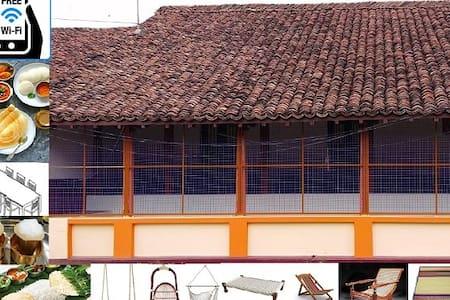 Exotic 150yr traditional house free Food,WiFi&Pool