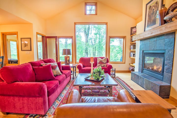 Western Chic House with Teton Views-Up Ski Hill Rd