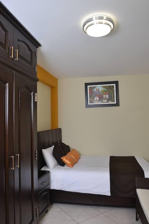Lima Airport ❤ MOON ❤ Pretty Room & Bathroom