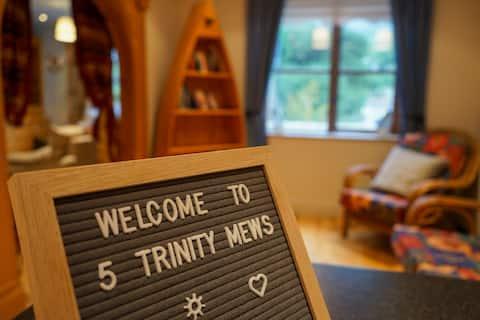 5 Trinity Mews