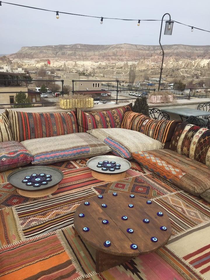 Caravanserai Inn Deluxe Room with Jacuzzi