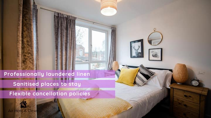 Amazing 2 bed apt for 6. Near hospital & town!  ❤