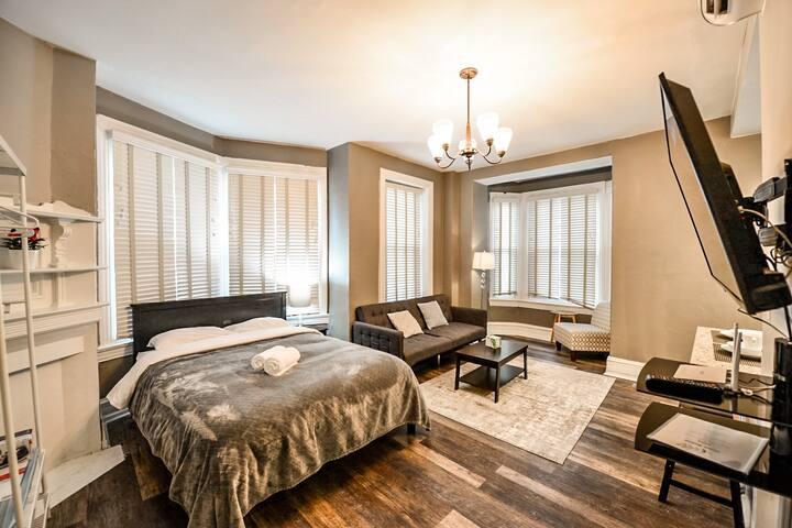 201A-Center City Cozy and Spacious APT studio
