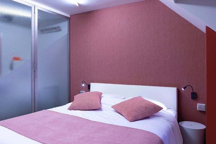 Quiet attractive room