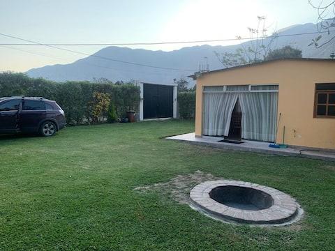 CASA DE CAMPO LUNAHUANA, FAMILIA PINEDA
