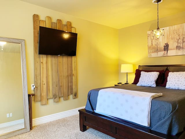 Your bedroom has an amazingly comfortable queen Muse Sleep bed as well as a 43-Inch Smart TV to allow you to unwind and relax.