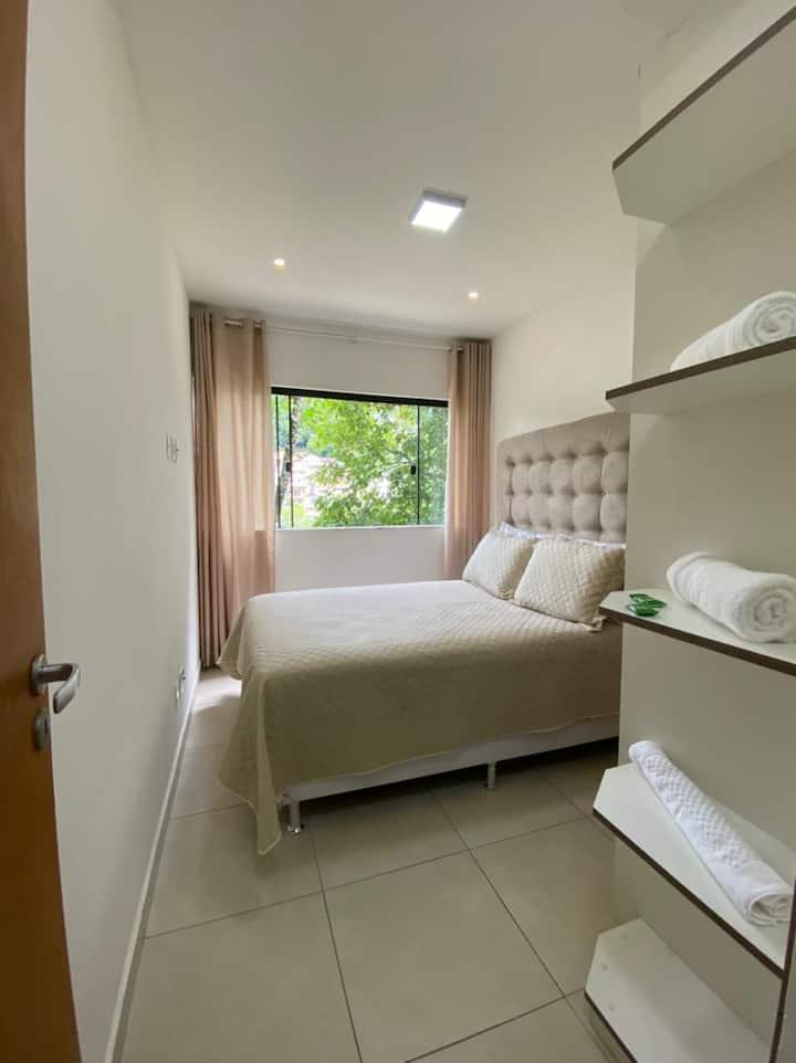 Apartamento no Centro Petrópolis- Branco