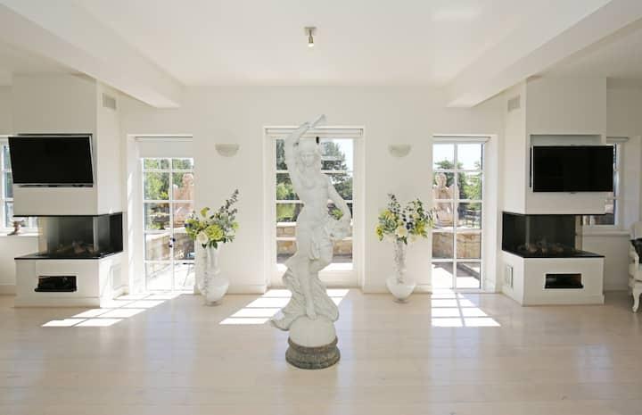 Luxury wellness Suite De Zuilen met privé...