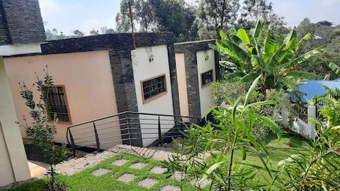 Mama Kinga Family Place with Waterfalls, Marangu