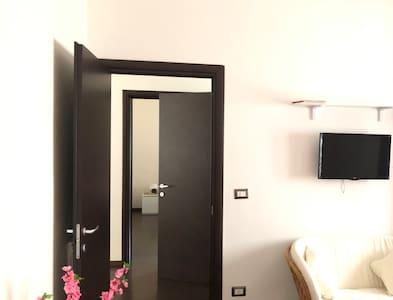 Corridoio e ingresso camere ampio