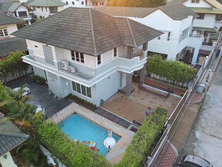 Private Pool Villa  Beach  WashMachine @Rayong會說中文